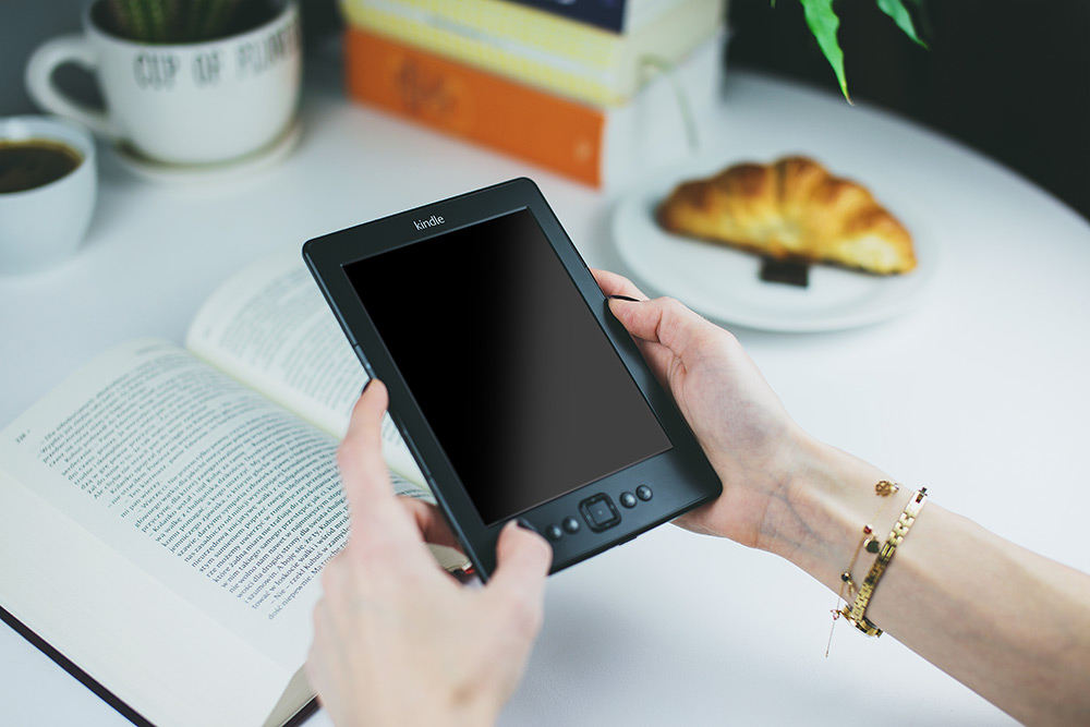 Kindle in Coffeehouse